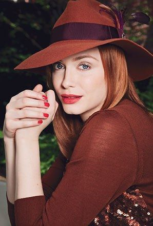 क्रिस्टीना hendricks glamour sept 2011 red hat