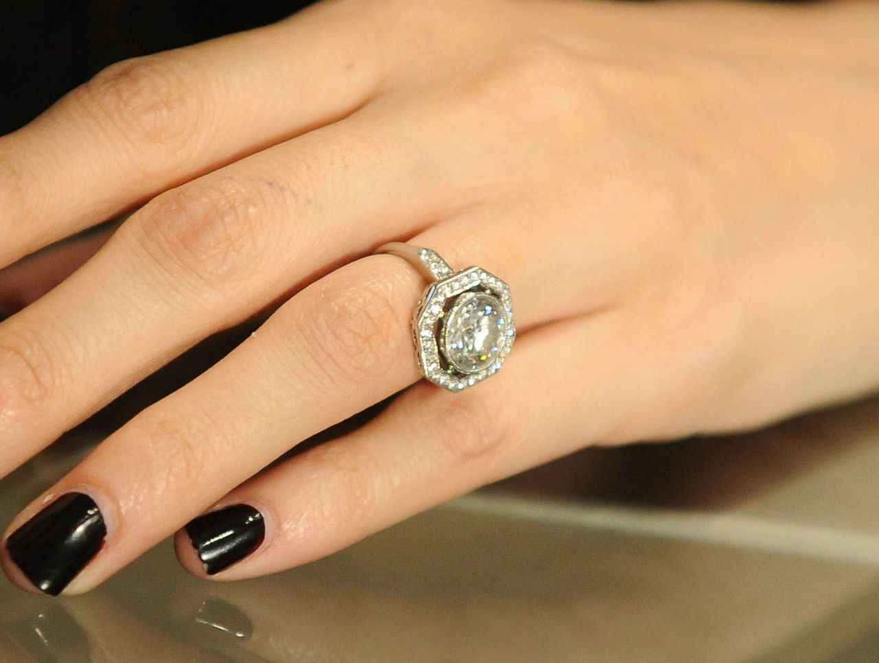 Nicole richie engagement ring celebrity engagement ring pictures 0130 getty