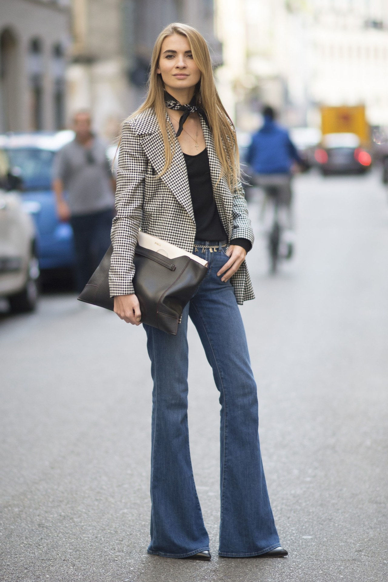 נפילה 2015 denim street style milan fashion week flares blazer