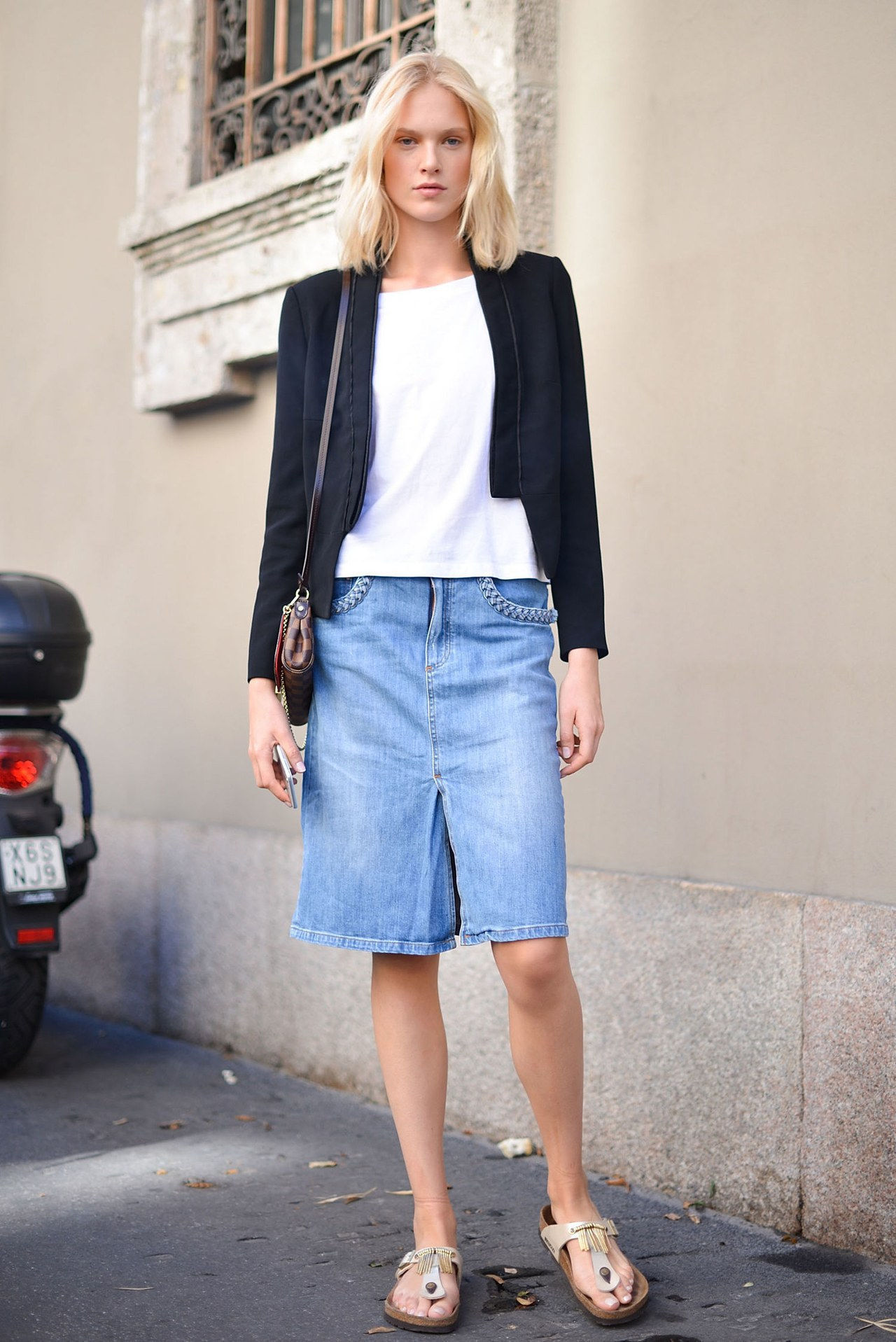 נפילה 2015 denim street style milan fashion week pencil skirt blazer
