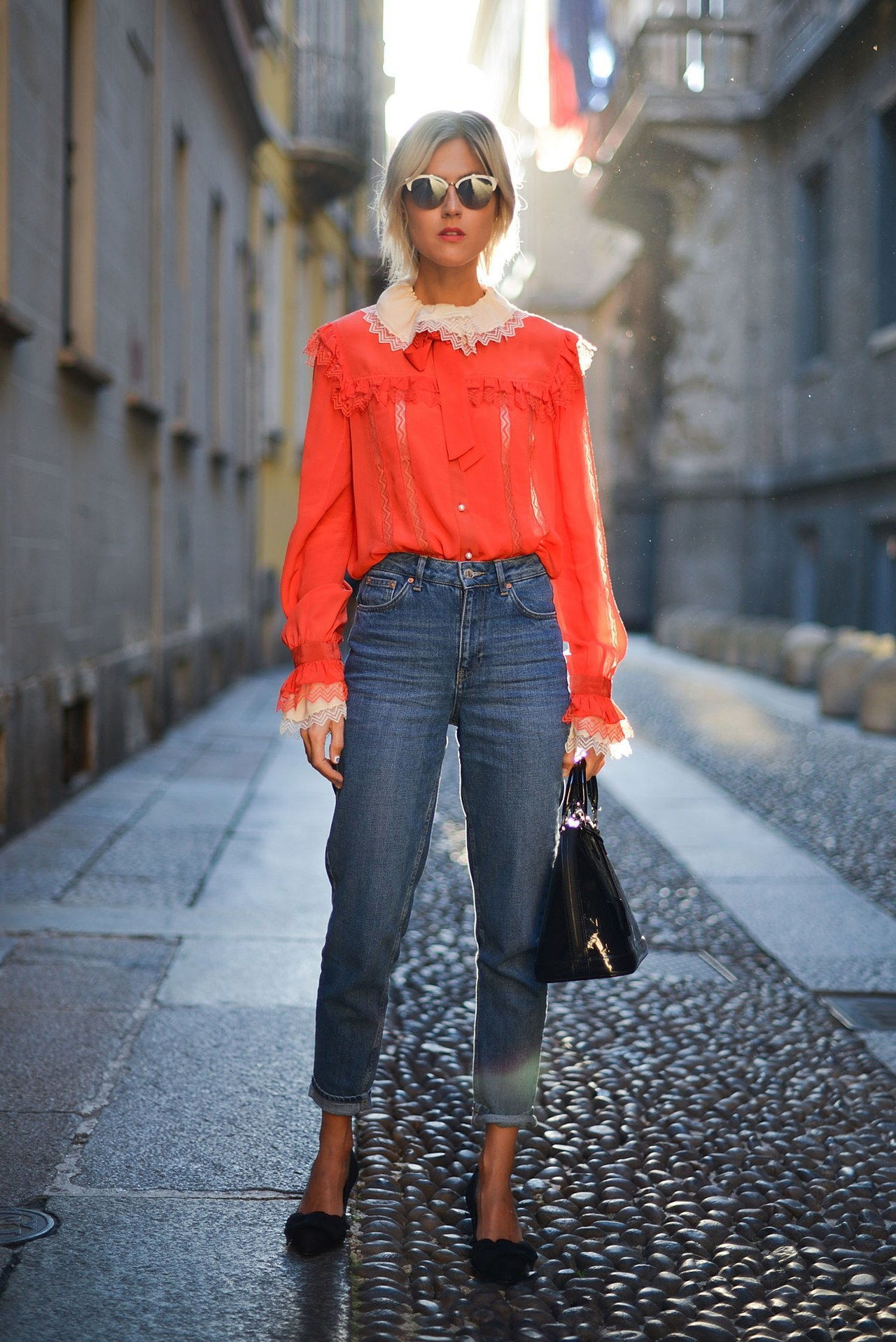 נפילה 2015 denim street style milan fashion week cropped red blouse