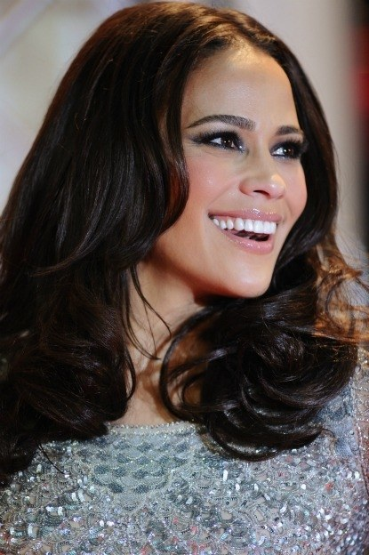 1214 paula patton holiday makeup bd