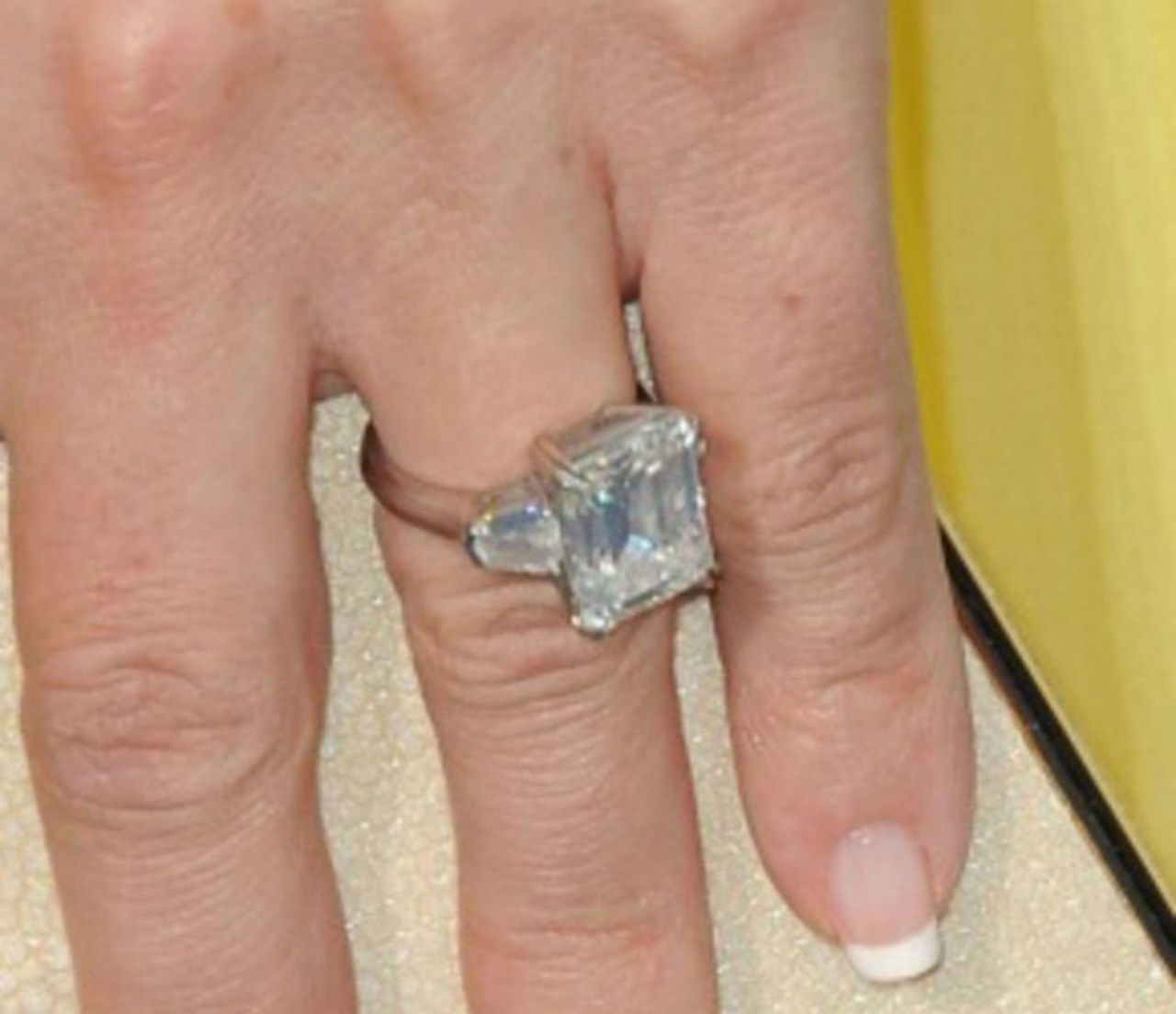 2 kate hudson engagement ring matthew bellamy new engagement ring 1117