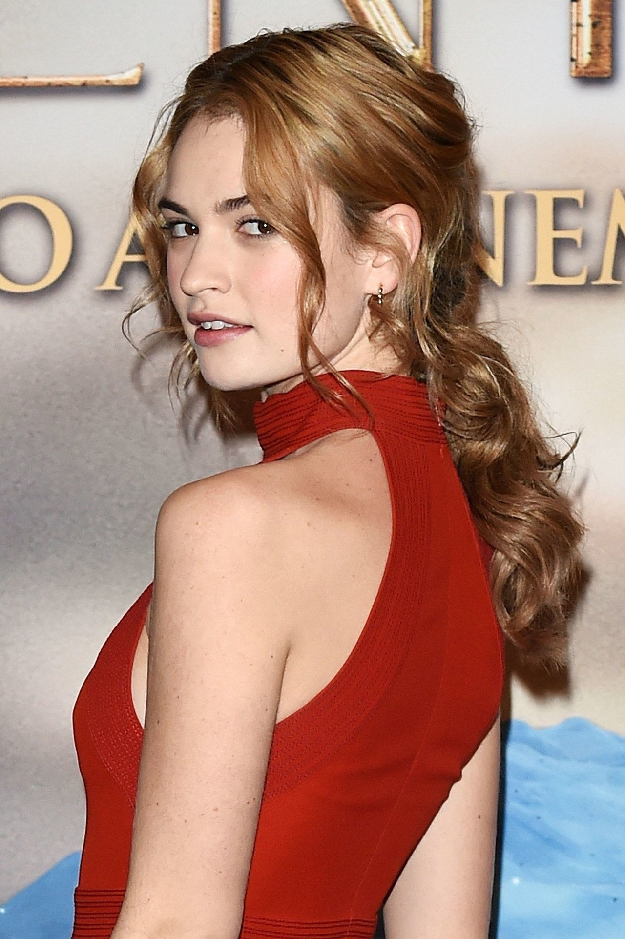 γάμος hairstyle ideas cinderella lily james pony