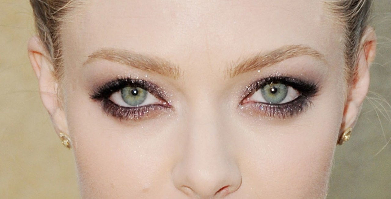 amanda seyfried smoky eye makeup linda lovelace premiere close