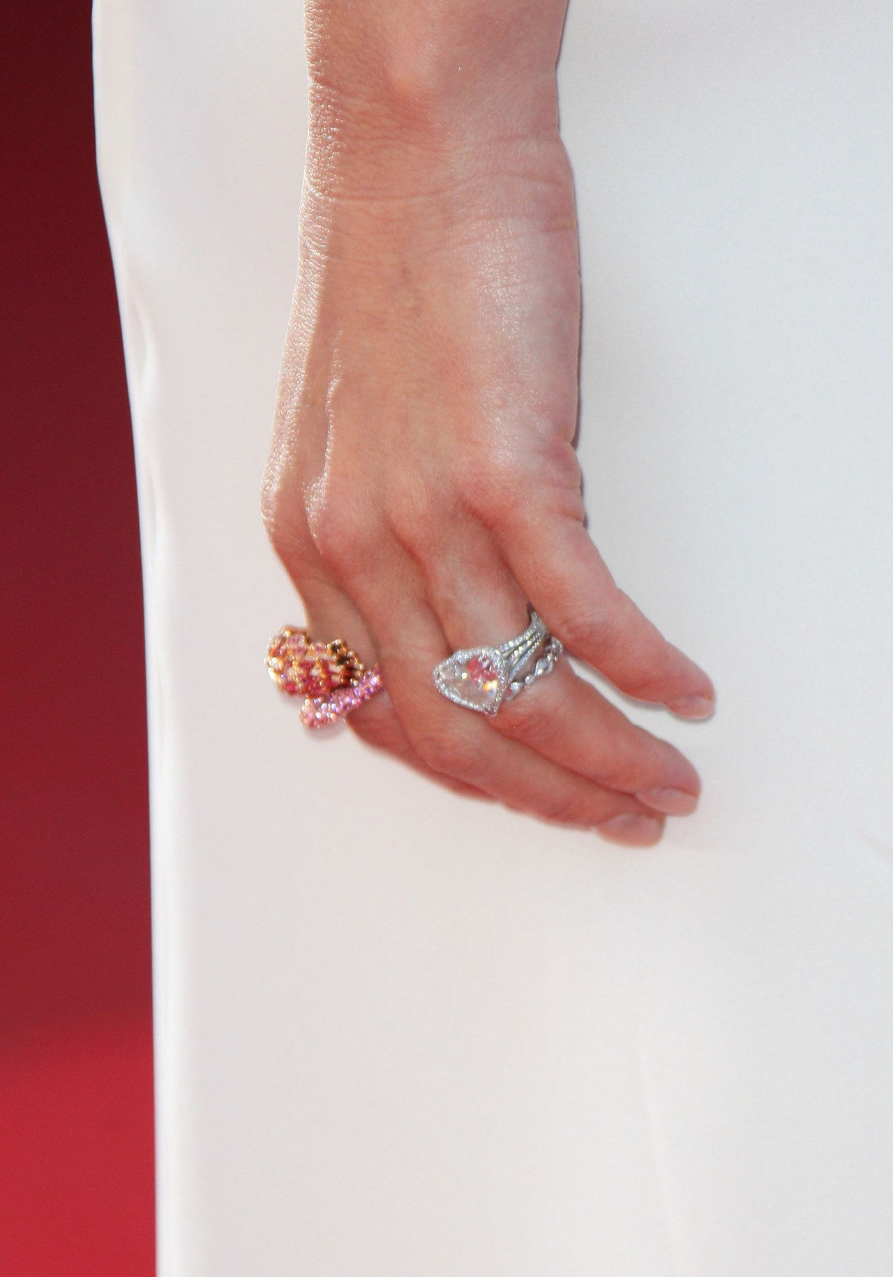 3 gwen stefani engagement ring pictures 0522