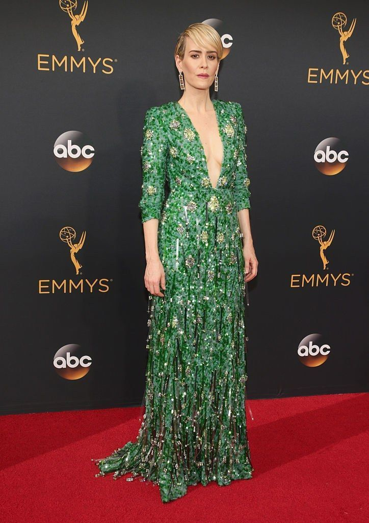 LOS ANGELES, CA - SEPTEMBER 18: Actress Sarah Paulson attends the 68th Annual Primetime Emmy Awards at Microsoft Theater on September 18, 2016 in Los Angeles, California. (Photo by Todd Williamson/Getty Images)