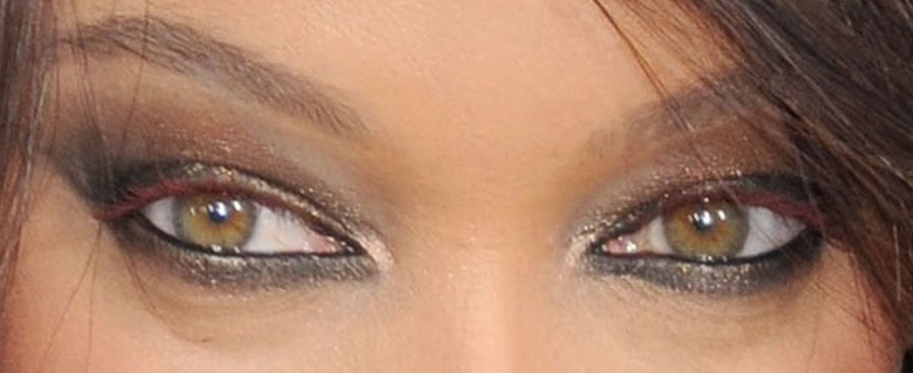 τυρά banks eye makeup zoom
