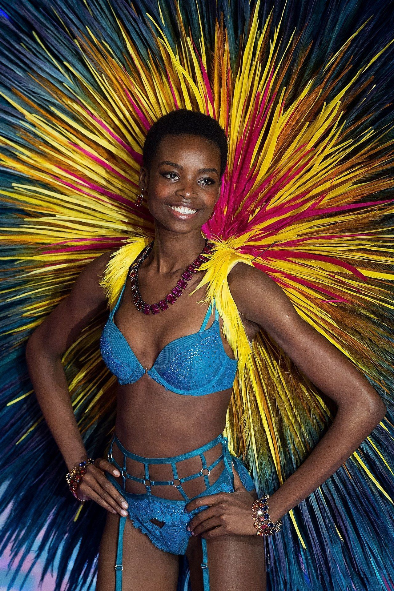 maria borges natural hair victorias secret fashion show