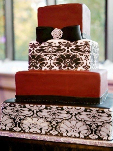 1222 damask wedding cake we