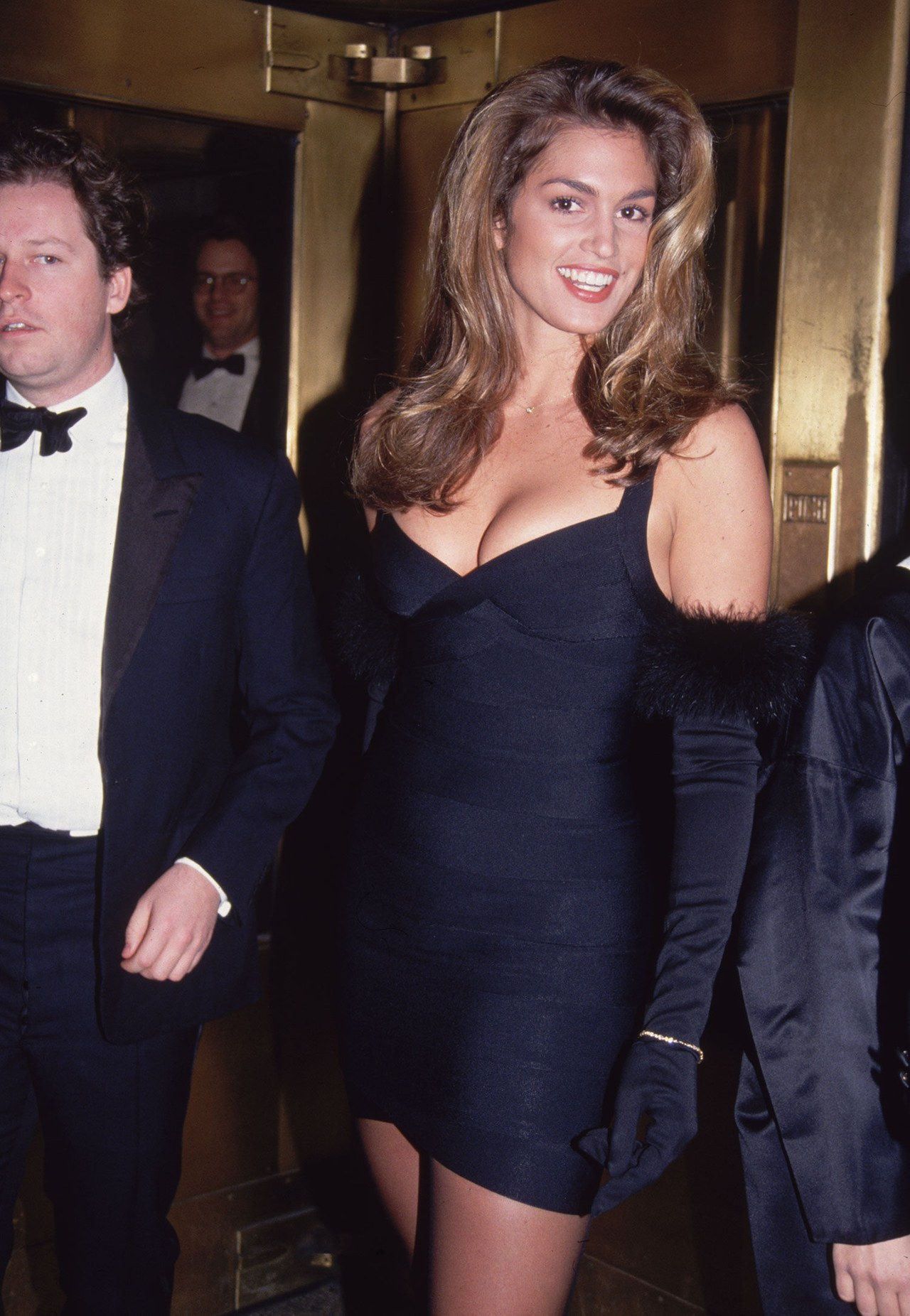 सिंडी crawford black herve leger dress 1996