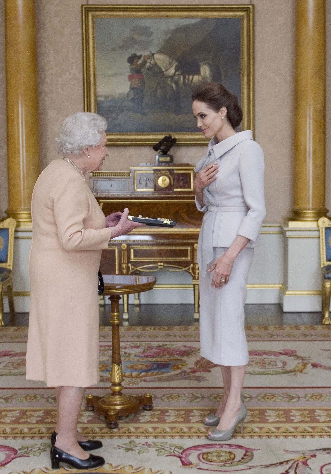 Angelina jolie queen elizabeth oct 2014