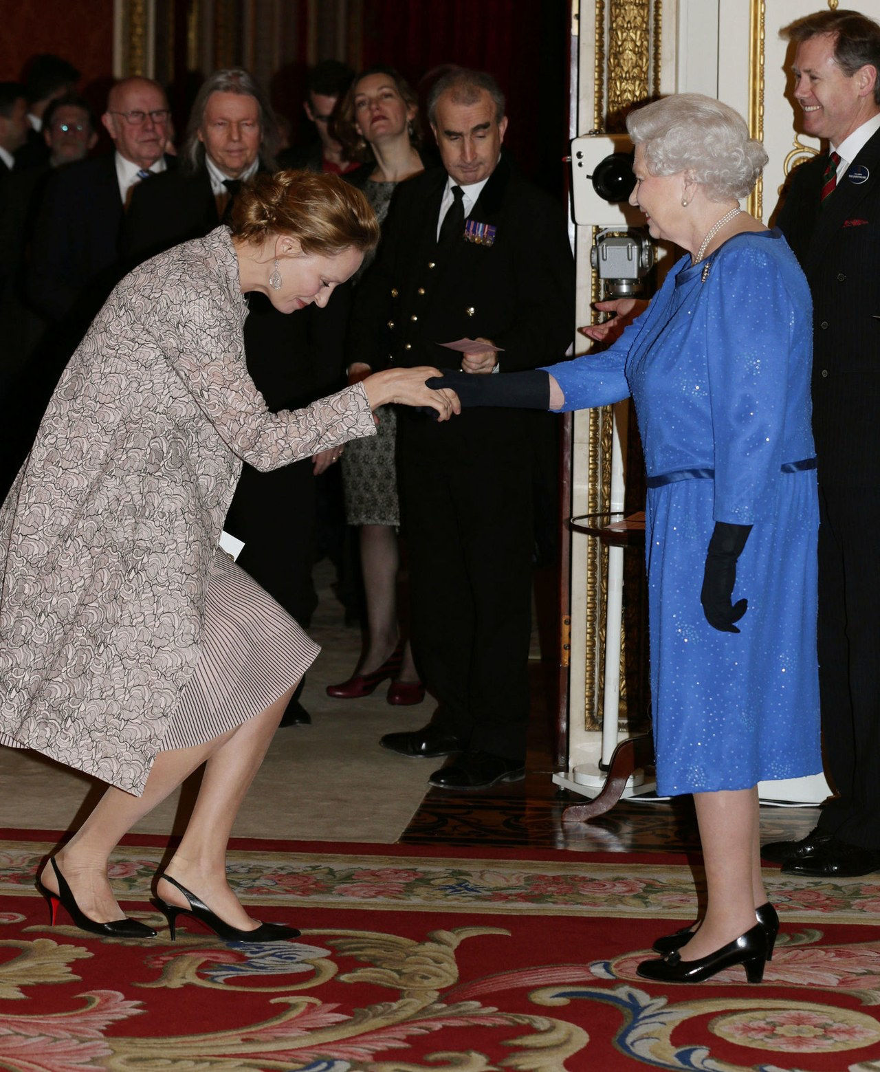 uma thurman queen elizabeth feb 2014